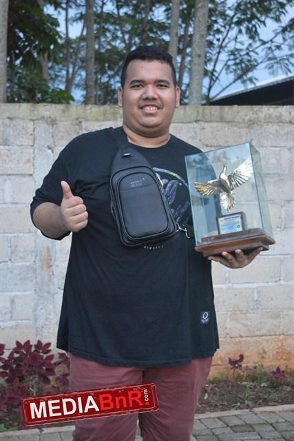 Ozi Be74wi SF sabet predikat juara umum Single Fighter