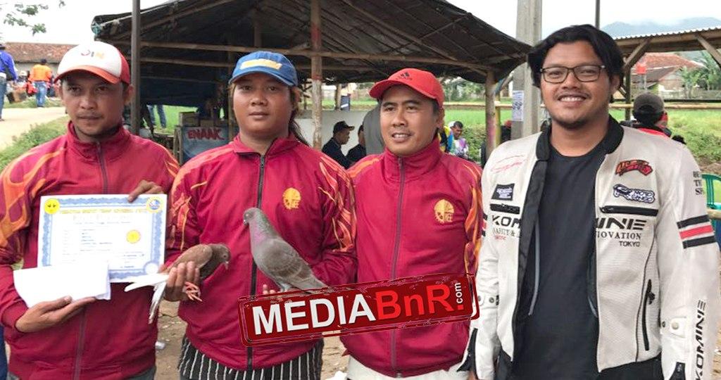 Mantap Bro..!!! Dua Player Embatama Sandingkan Dua Juara Dalam Satu Giringan