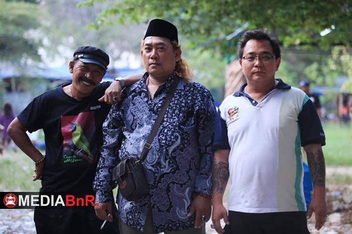 Pak De, Slamet Sarwono dan Tihan Juri