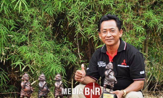 Pak Gino Kolektor Cucak Hijau & Kacer Asal Yogyakarta