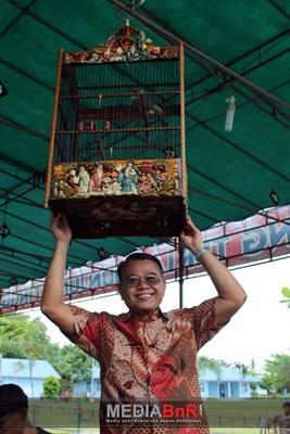 Pengantungan Secara Simbolis Oleh DR. Drs. Adrianus Asia Sidot, M.Si
