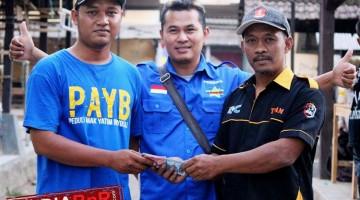 Penyerahan Donasi Kepada Perwakilan Dik Vera Sebesar Rp 4.050.000