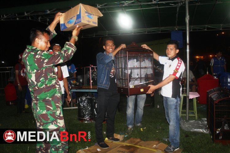 Penyerahan Doorprize oleh Ketua Oriq Jaya Tangerang Jhony Liu