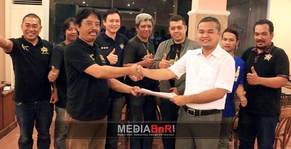 Penyerahan Hak Paten Nama, Logo & Merk PCMI