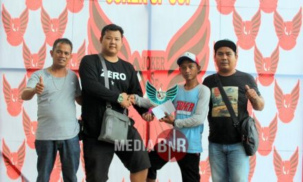 EVO BC DAN JOJO SF Raih Juara Umum Bird Club dan Single Fighter Di Joker SF Cup Sintang