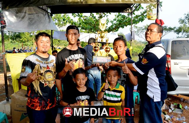 Permata Team menjadi juara umum Bird Club