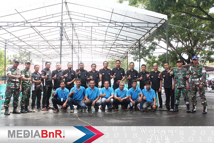 Photo Bersama panitia dan Juri BnR Indonesia