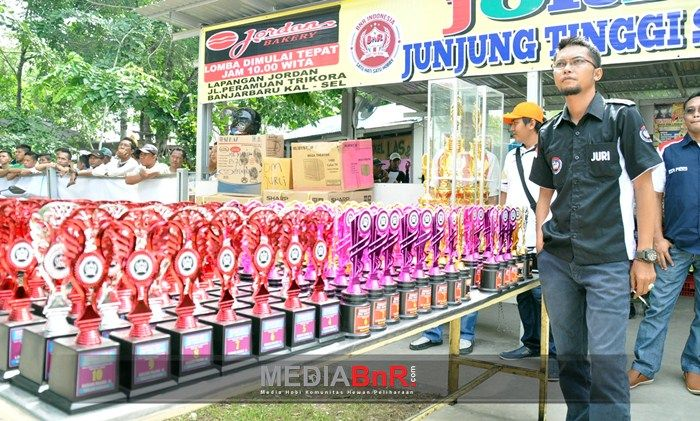 Piala Bagi Pemenang Juara 1-10 Menjadi Kebanggaan   Kicaumania