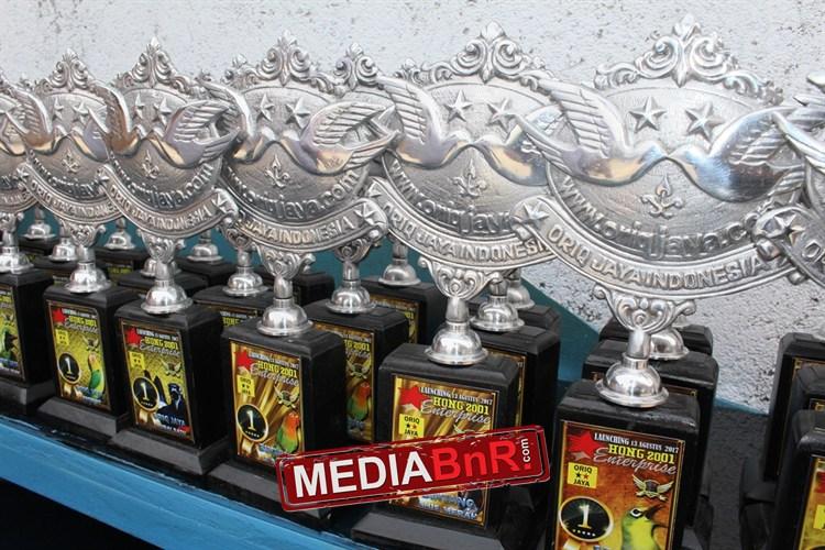 Piala Ekslusif Hong 2001