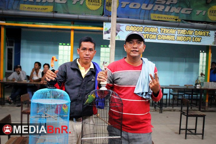 Raden dan Nyi Ronggeng Keluarkan  Ngekek Kemenangan
