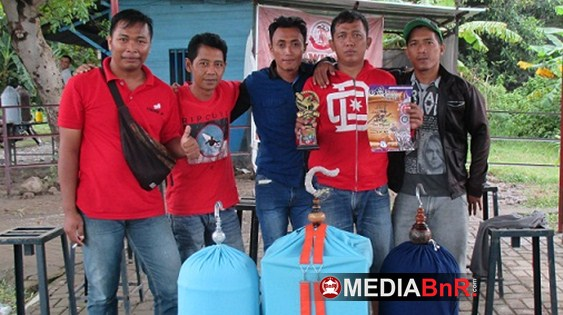 Iblis Top Perform, Ratna Kian Bersolek