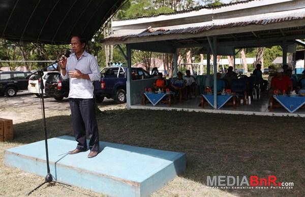 Sambutan hangat Bupati Kobar, Bambang Purwanto (Foto: Ikrom/MediaBnR.Com)