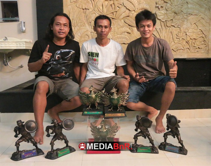 Sien Ronny Crew. Borong Juara Kenari, Cucak Rowo & Cendet