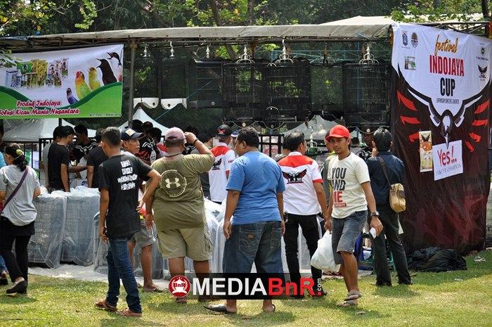 Stand Produk Indo Jaya Nusantara Diserbu Peserta