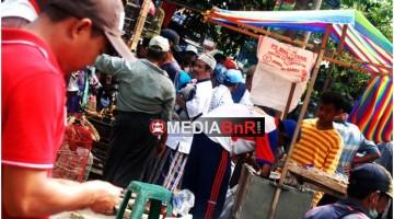 Suasana Pasar Burung Tanah Merah Bangkalan Madura