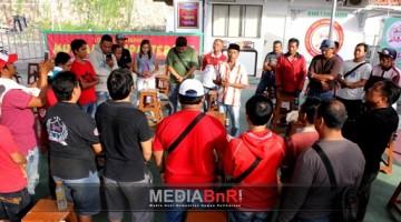 Suasana Potong Tumpeng Sebelum Pembukaan Gantangan BnR Koblen Surabaya