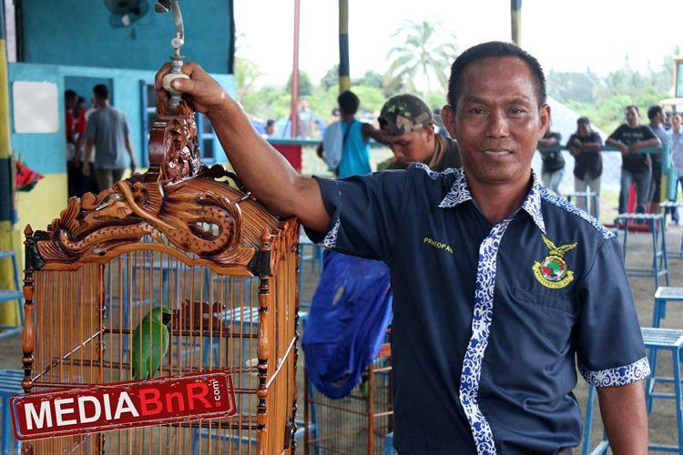 Taxi Bongkar milik Yanto Taxi  Terdepan