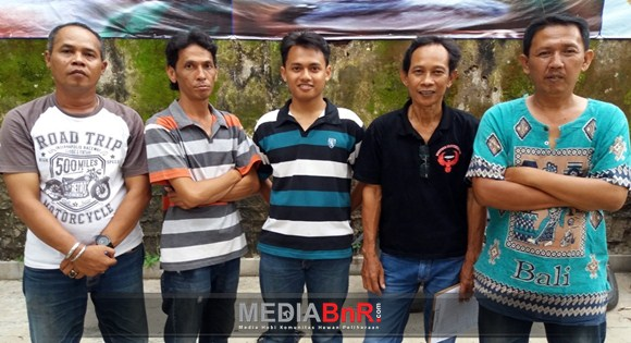 Black Sabath Double Winner, Reva Bergaya Satu Kaki