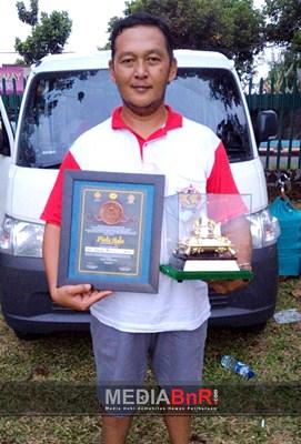 Hijau Daun Mempersembahkan Piala Maharadja