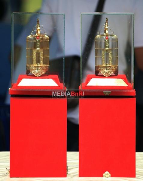 Kapolda Cup Kalteng: Sampit BC dan Handayani SF Bawa Pulang Trophi Juara Umum