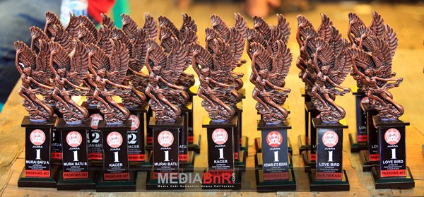 Diserbu Kicaumania Jakarta, Ningrat dan Badrika Terbaik