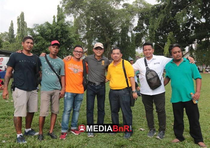 Yogi KH, Yogi NH, Robert Pemburu, Rudy NRS. Silaturahmi Kicaumania Nusantara