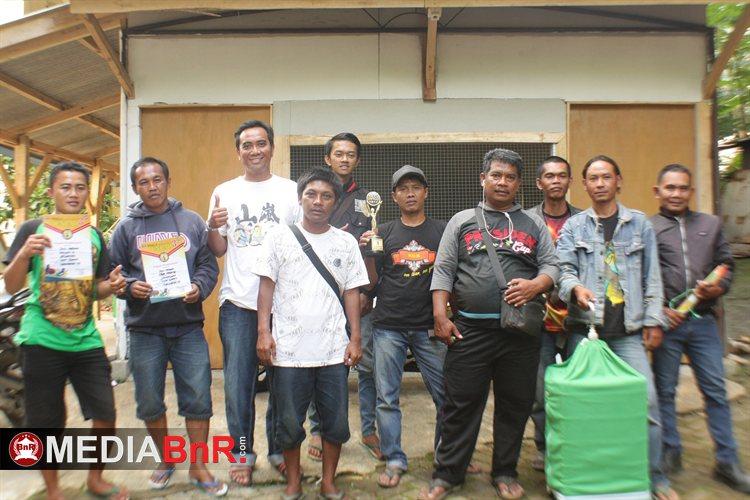 Zamorano salah satu jagoan anis merah milik Sien Ronny Surabaya yang dikawal Aep Bandung, terbaik di Unpad Cup 3