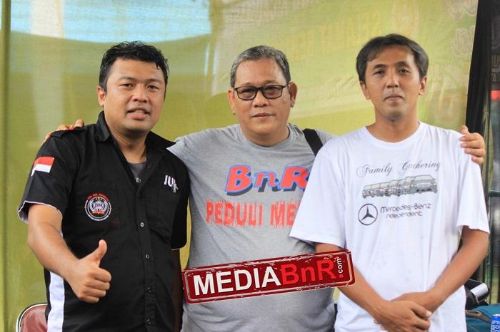 agen bnr jatim, Ipan (kiri), Arif (kanan) bersama bang boy