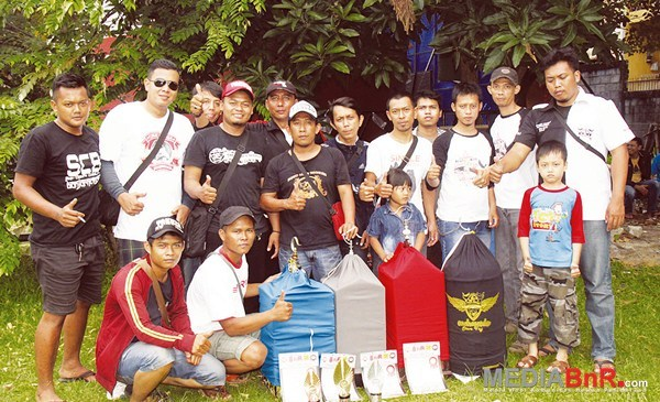 Ciblekmania merayakan ksmenangan hitler-Nusantara-Raja Brend