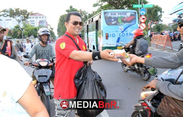 Berbagi Bersama Ferrari Team dan YKS Surabaya