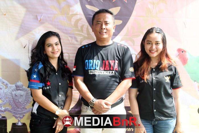 dua srikandi juriOriq Jaya Indonesia