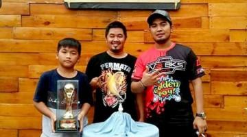 photo bersama creww V3 BKS saat Hero berhasil juara 1 dikelas MB Mahakarya