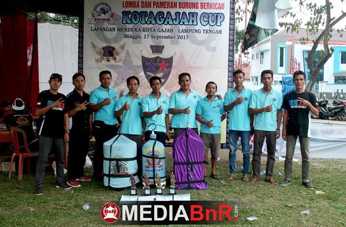 salah satu Bird Club yang hadir dan biring juara di event Kota Gajah Cup