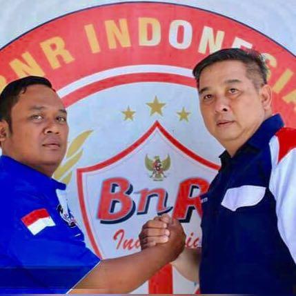 Setyono ketua BnR Surabaya (kanan)