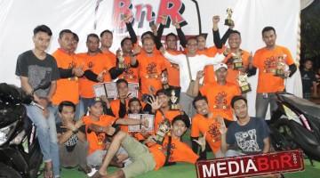 tim PBC bersama sang leader Abah Win (kaos putih)