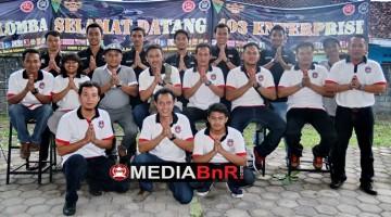 tim dari BnR 403 mengucapkan 'Selamat Idul Fitri 1438H'